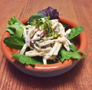 Knolselderij in de salade